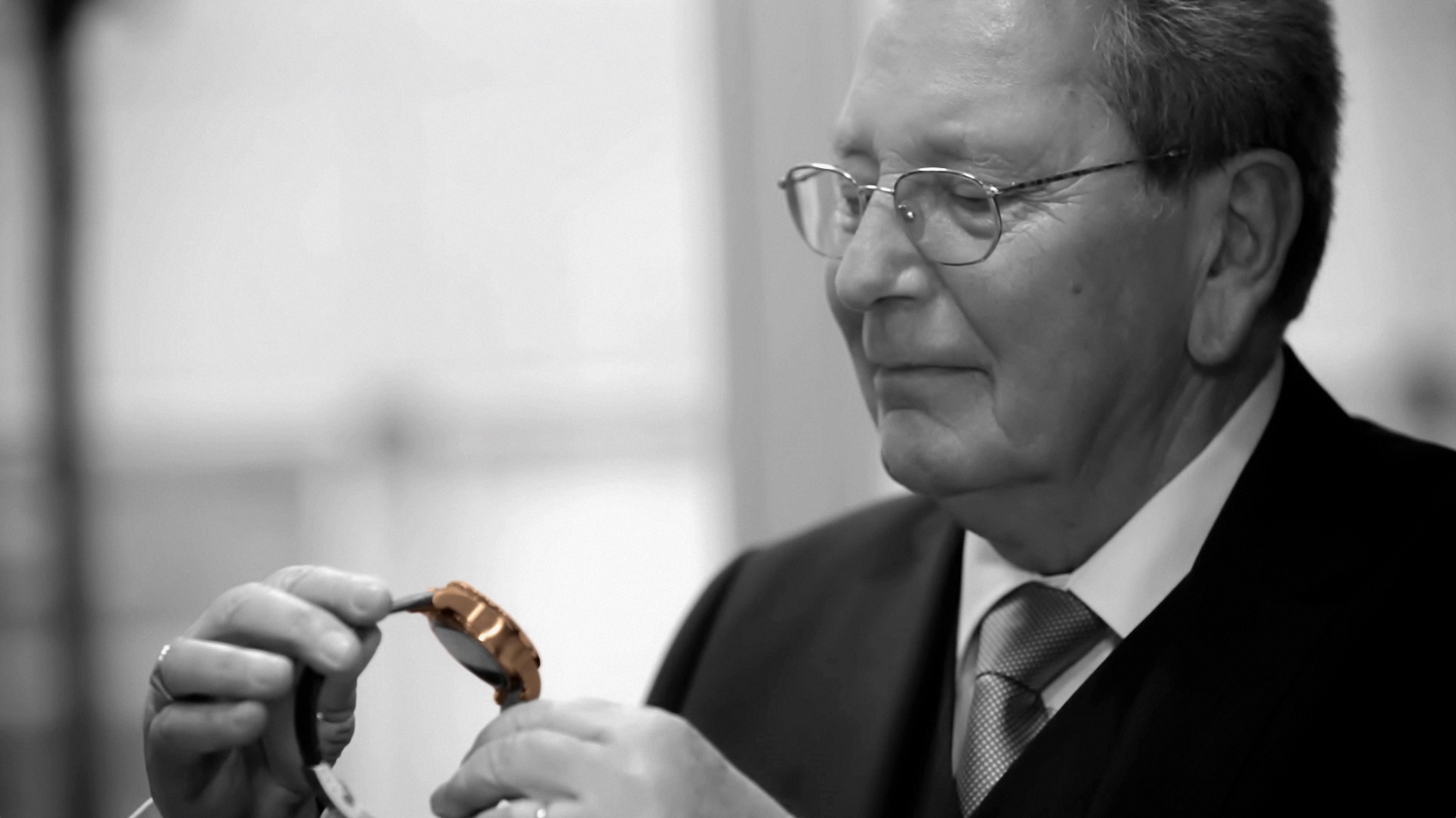 roger-dubuis-watchmaker