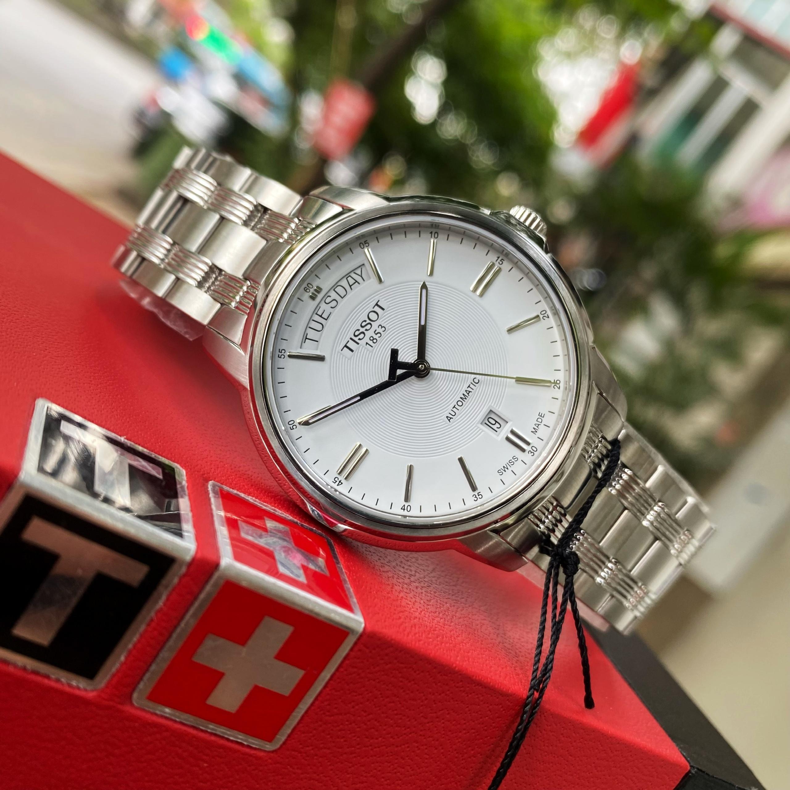 Đồng Hồ Nam Tissot T-Classic DayDate T065.930.11.031.00